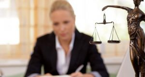 The right way to choose your commercialcorporate lawyer for your business needs